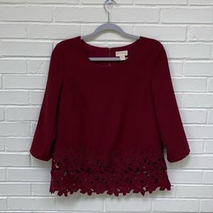 Lucy And Laurel Floral Lace Hem 3/4 Sleeve Top